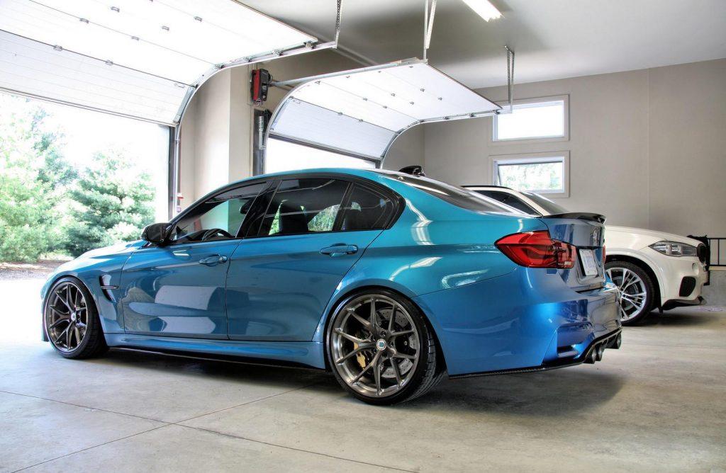 bmw m3 f80 bleue arrière
